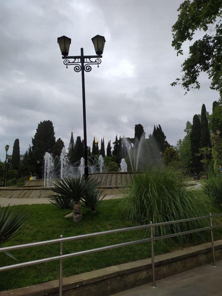 В Сочи открыли фонтаны около концертного зала «Фестивальный»