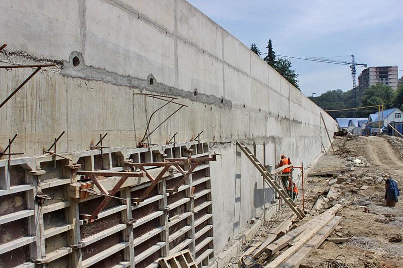 В Сочи планируют ужесточить контроль за строительством на подверженных оползневым процессам участках